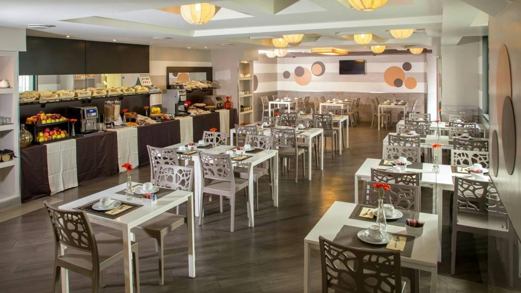 hotel-domidea-rome-breakfast-03