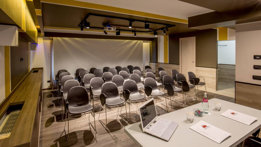 Domidea-Business-Hotel-Rome-meeting-hall-3054