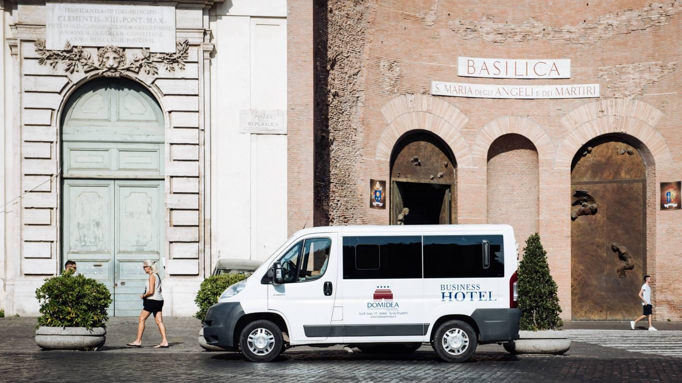 Hotel-Domidea-Roma-servizio-navetta-01-8