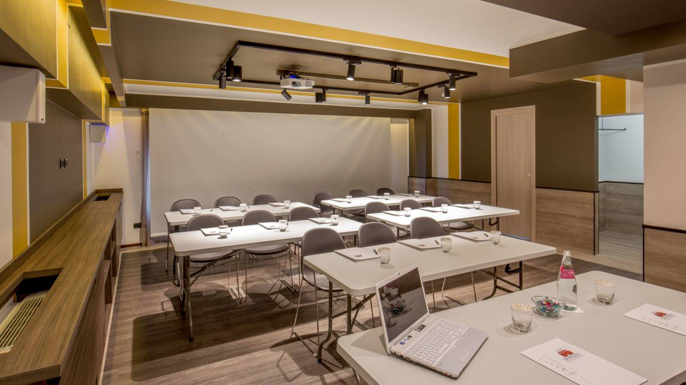 Domidea-Business-Hotel-Rome-meeting-hall-3069