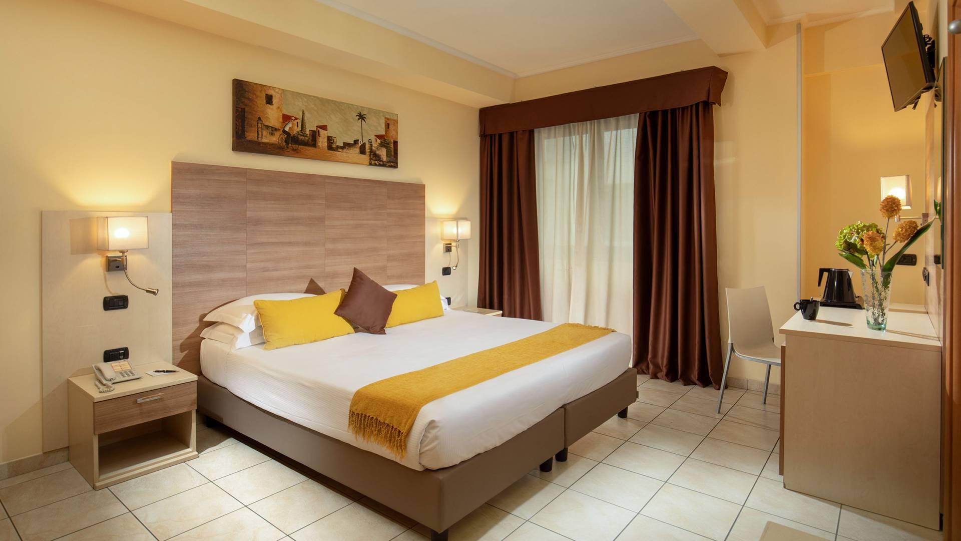Domidea-Business-Hotel-Roma-Camera-Executive-2020-IMG-9503