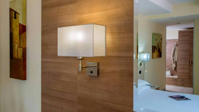 Domidea-Business-Hotel-rome-standard-room-2020-camere-17
