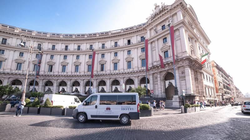 Domidea-Business-Hotel-Rome-shuttle-service-01-35