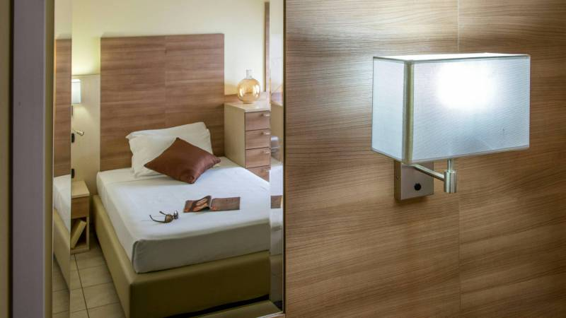 Domidea-Business-Hotel-Rome-rooms-13