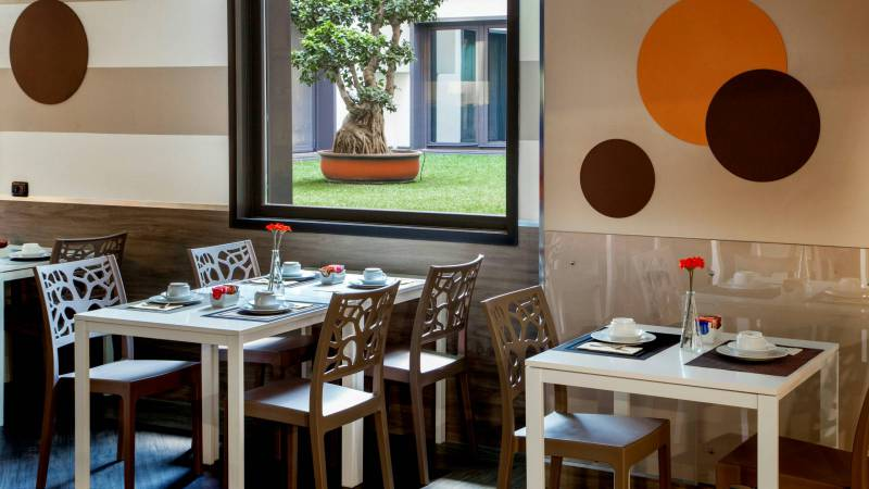 Domidea-Business-Hotel-Rome-breakfast-05